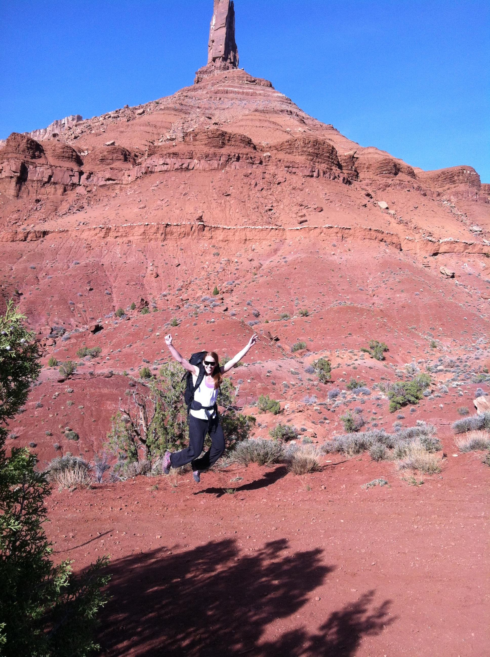 Rock Climbing Women - Road Trip Essentials - Leici Hendrix